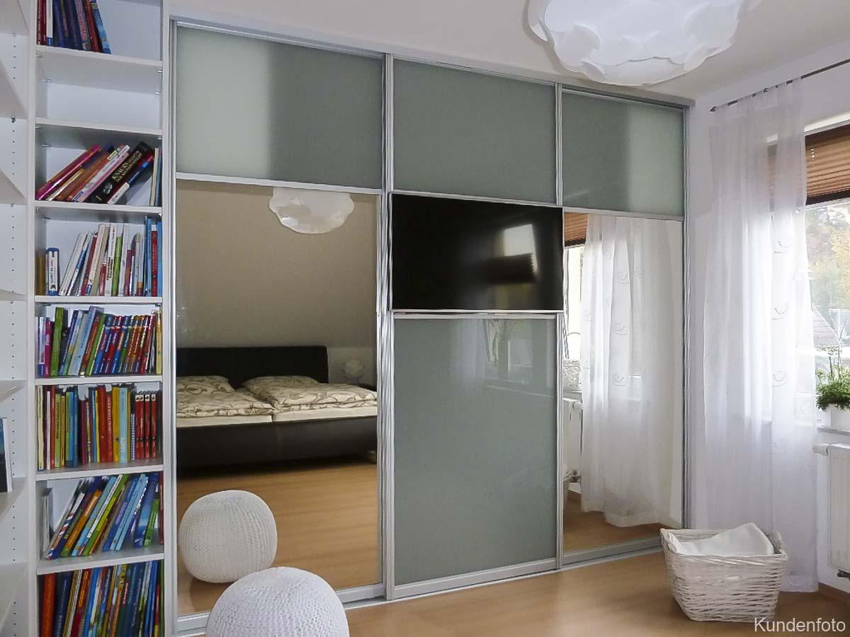 kundenfotos schiebet renschrank schiebet ren schrank nach ma individuell kleiderschrank. Black Bedroom Furniture Sets. Home Design Ideas