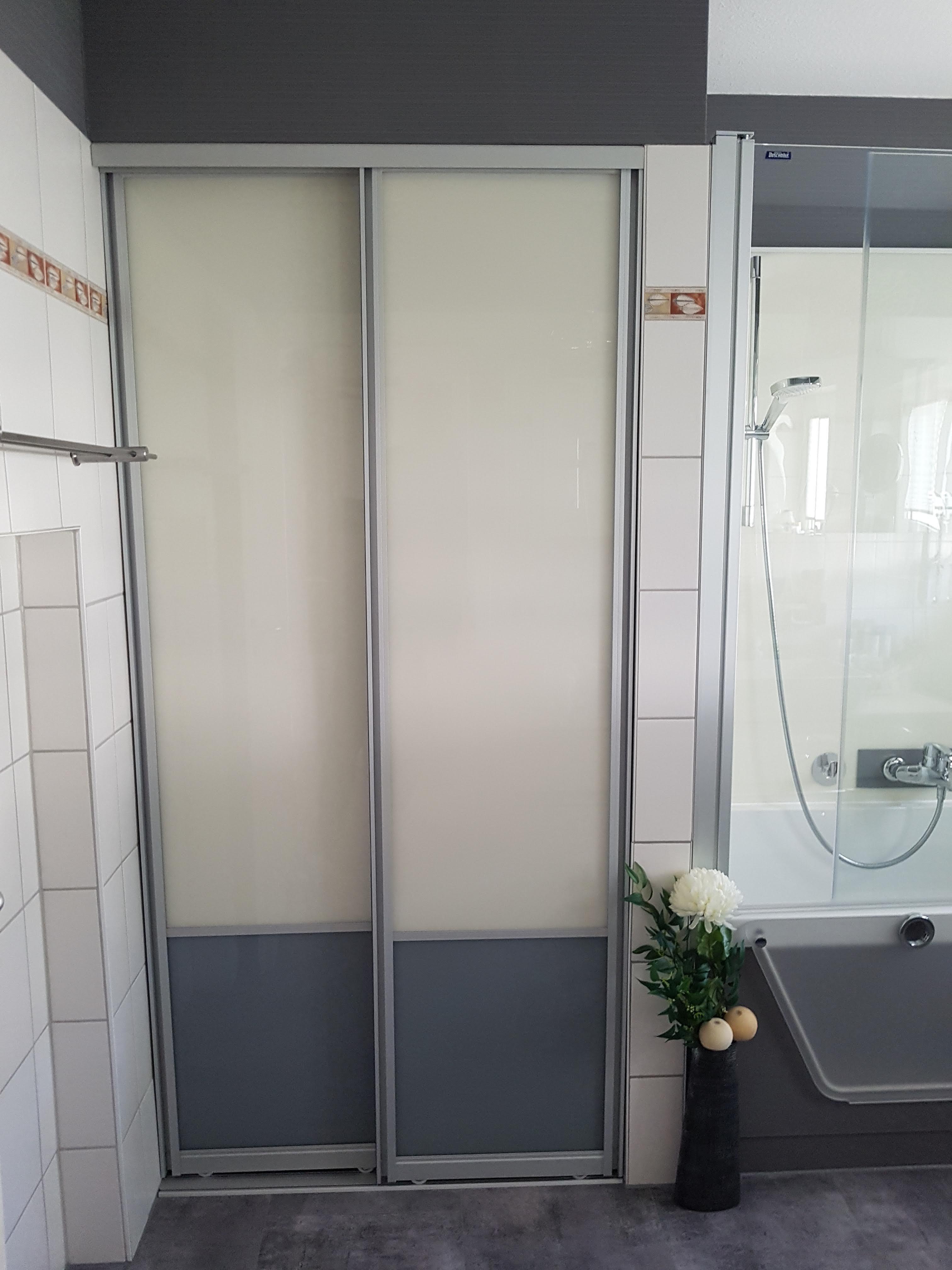 Schiebetüren für Abstellraum im Bad 2