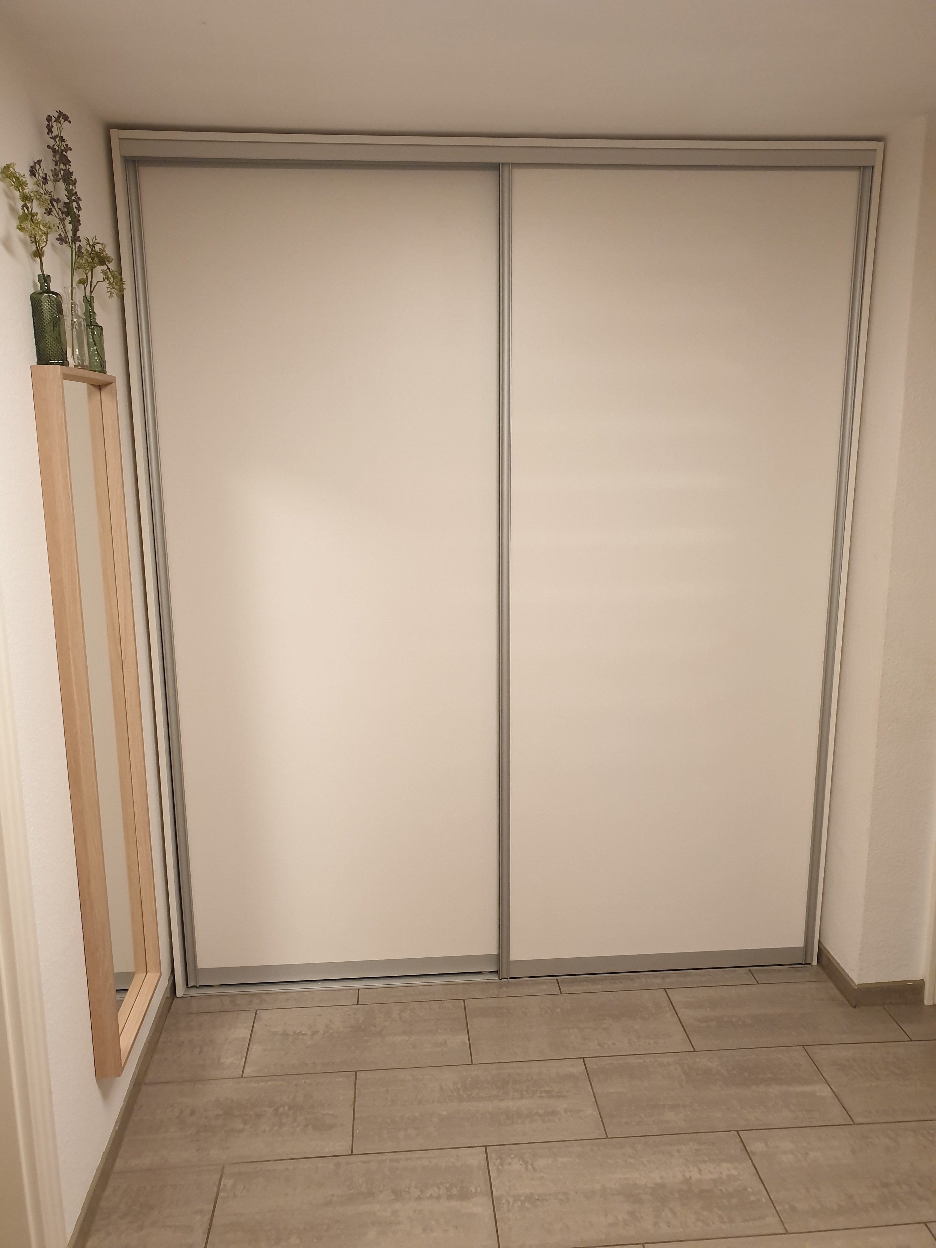 Schiebetürenschrank als Garderobe 2